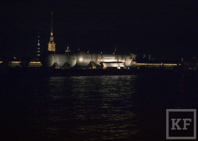 «Таиф-НК» прислали рекорд Гиннеса: на завод холдинга в Нижнекамске доставлен 1300-тонный реактор гидрокрекинга