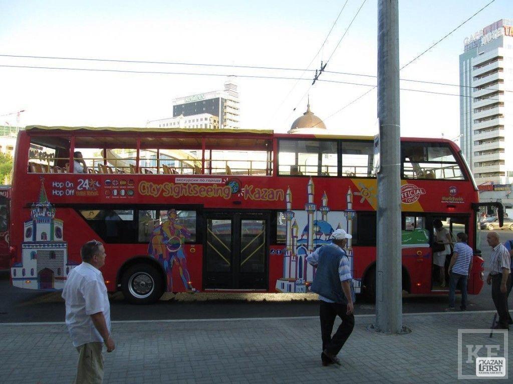 По Казани курсируют двухэтажные автобусы [фото]