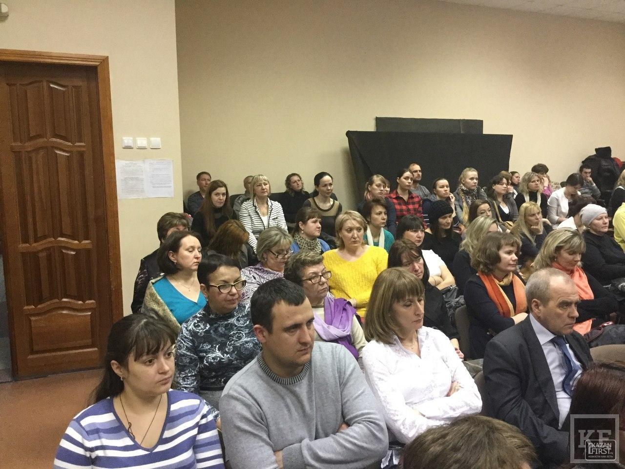 Диалог не получился. Избиратели на встрече не задали ни одного вопроса секретарю Казанской гордумы Людмиле Андреевой