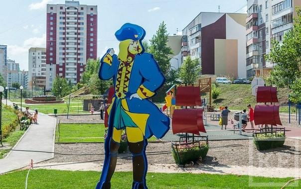 Правление ТСЖ «Азино-1» отчиталось перед жильцами по расходам: зарплата инженера — 50 рублей в месяц, 62000 рублей на статую Гулливера и командировки в Самару