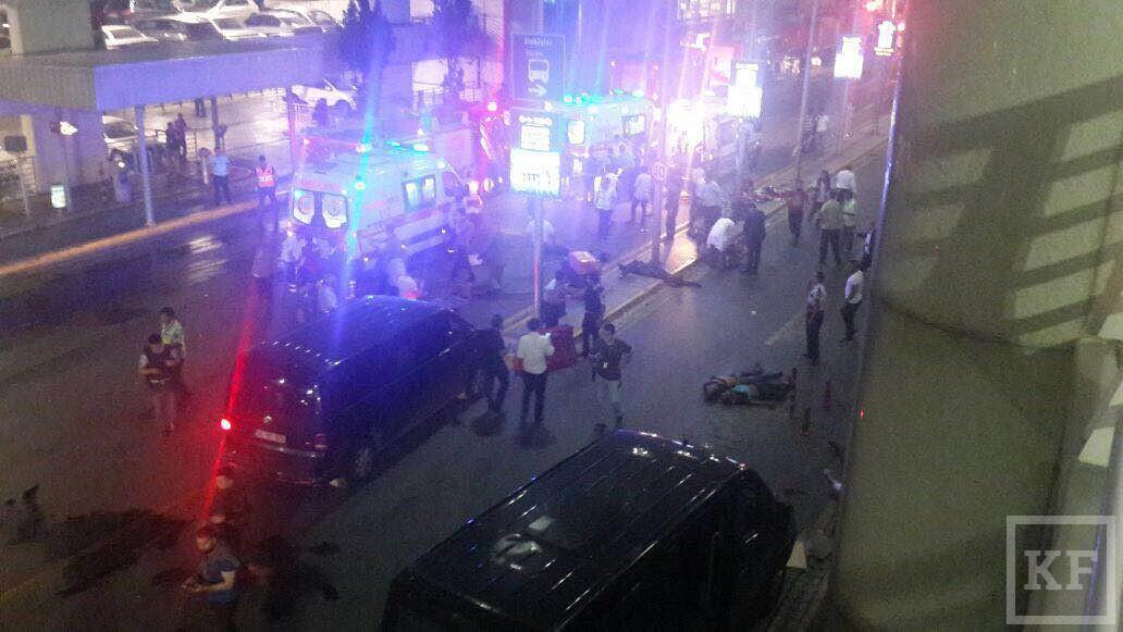 СМИ сообщили о 10 погибших во время теракта в аэропорту Стамбула