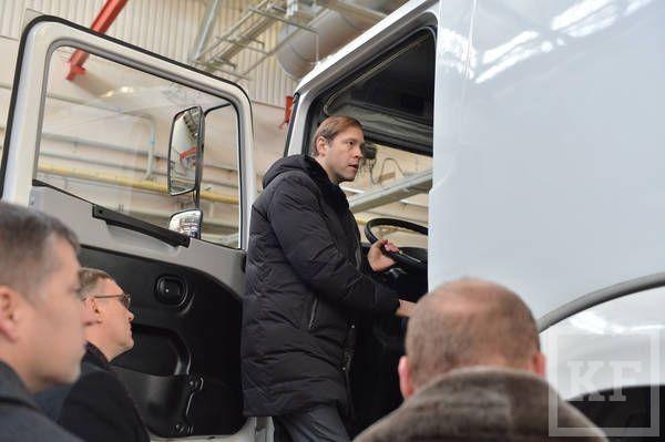 Дмитрий Медведев в Челнах: программа утилизации автомобилей будет продолжена в 2015 году