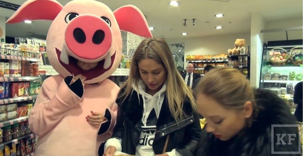 «Хрюши против!» провели свою акцию в московском магазине «Бахетле»