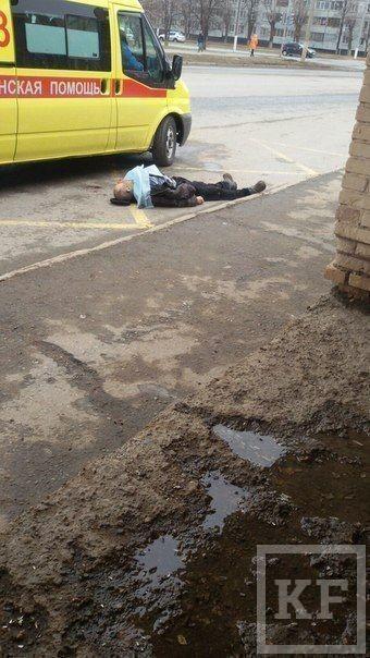 В Нижнекамске на автобусной остановке умер мужчина
