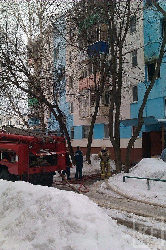 В подъезде жилого дома в Нижнекамске сгорела мебель