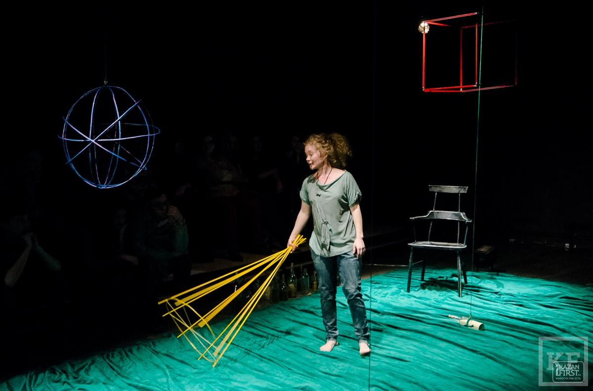 В «Углу» состоялся моноспектакль по одноименному бестселлеру норвежского писателя Эрленда Лу