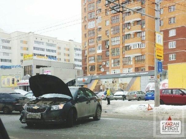 В Казани столкнулись «Chevrolet Cruze» и «Mitsubishi ASX»