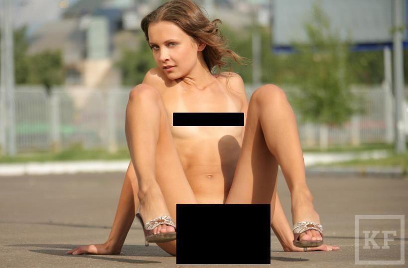 В интернете появилась очередная обнаженная фотосессия на фоне достопримечательностей Казани