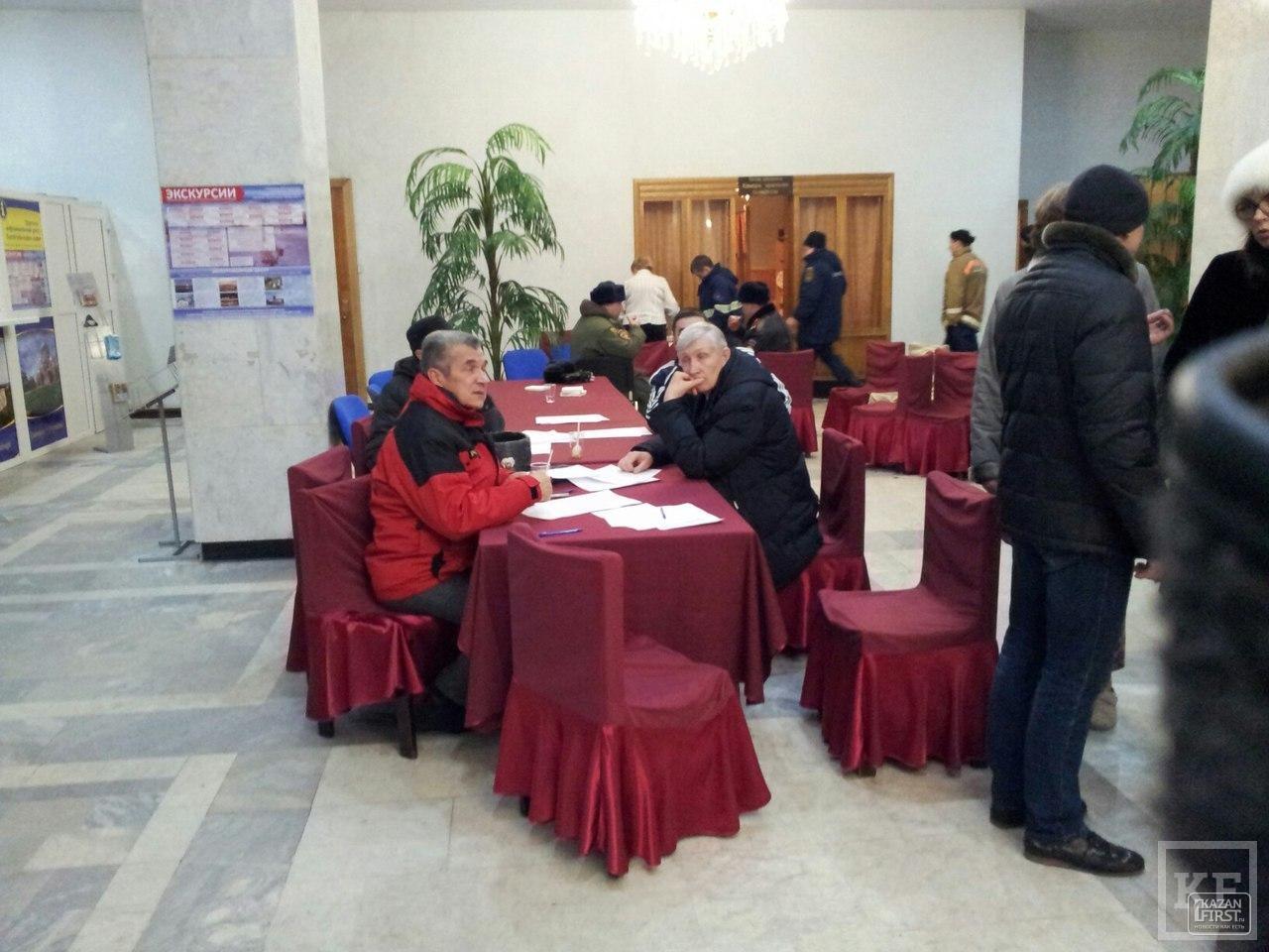 Жителей сгоревшего дома в центре Казани размещают в гостиницу «Татарстан» – МЧС РТ