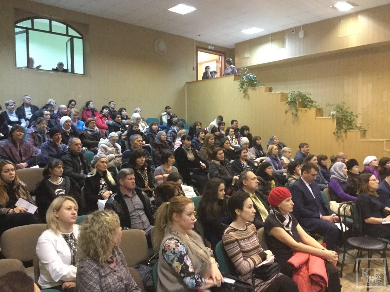 Почему встречи депутатов Казгордумы с избирателями получаются очень скучными: три проблемы