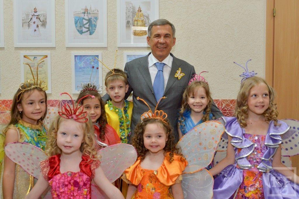 Рустам Минниханов побывал на открытии центра искусств «Шарм» в Казани