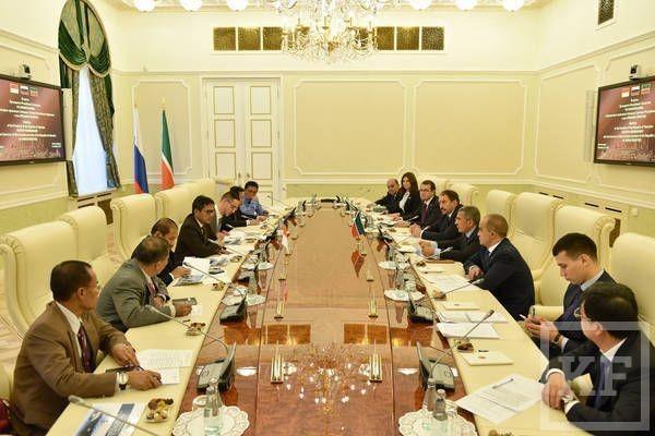 Минниханов: Татарстан заинтересован в продвижении на рынке Индонезии продукции КВЗ, «Камаза» и судостроительного завода