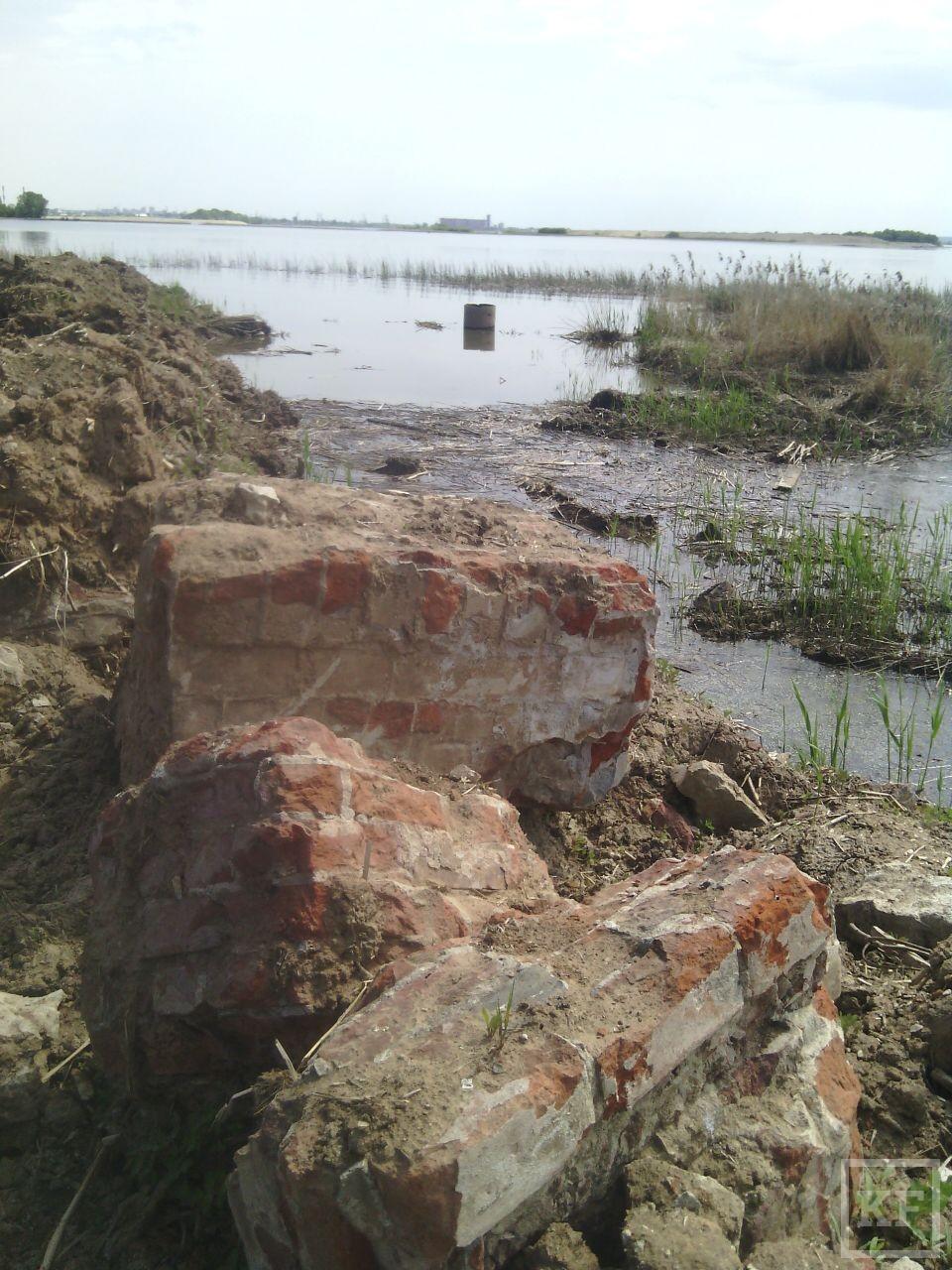 Жители Старого Аракчино жалуются на засыпку береговой линии