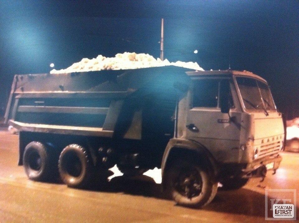 В Казани в аварии с участием «Камаза» пострадал подросток