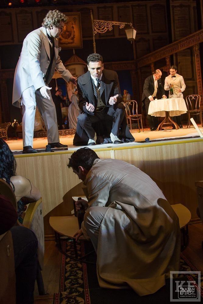 Гастроли Московского Губернского театра в Казани – спектакль «Нашла коса на камень»