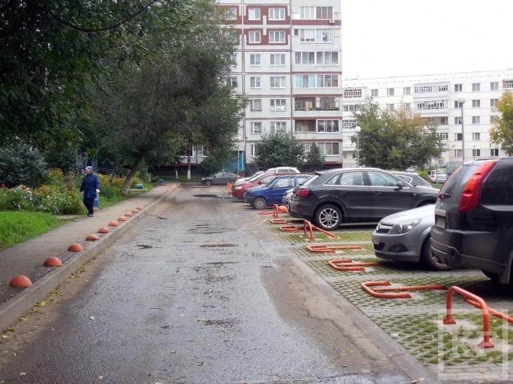 Челнам нужно больше мест для стоянки автомобилей, но строящиеся индивидуальные экопаркинги только сокращают их количество