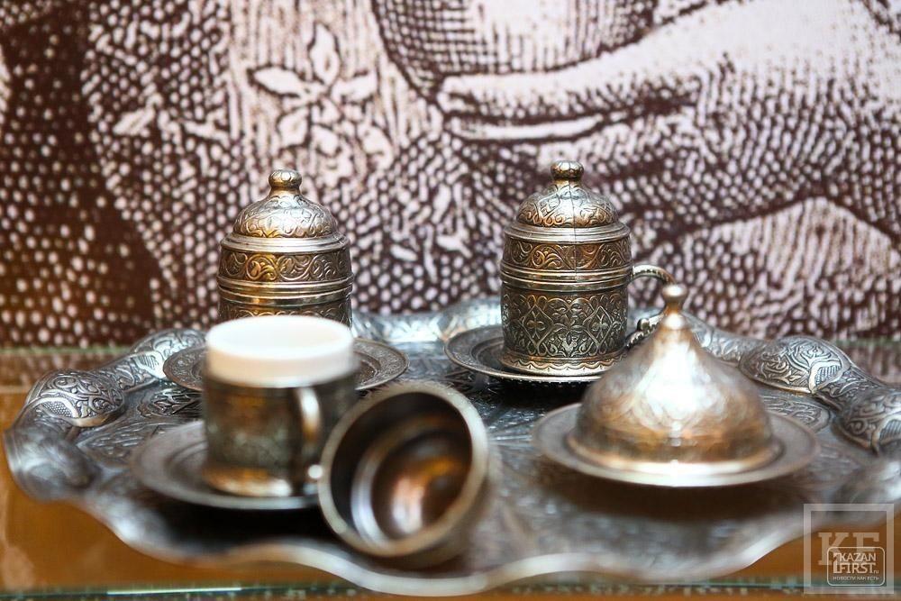 «Кофе не изобрели в Османской империи, но именно благодаря ей он распространился по миру. И стал настоящим символом, объединяющим людей»