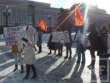 Арендаторы агропромпарка «Казань» вышли с красными знаменами на войну против «власовщины»