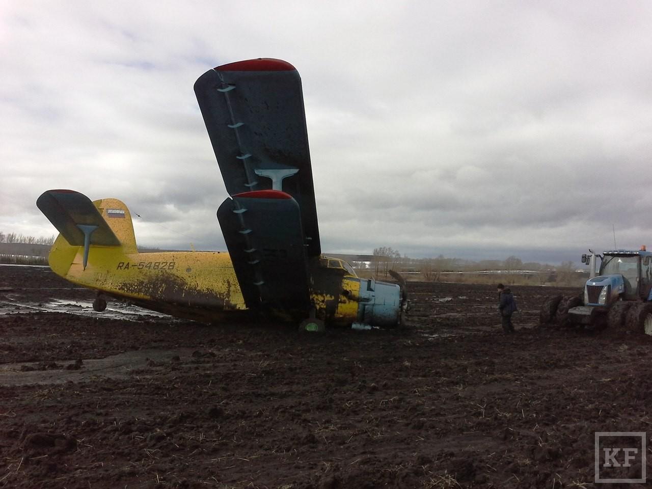 В Татарстане совершил вынужденную посадку легкомоторный самолет Ан-2