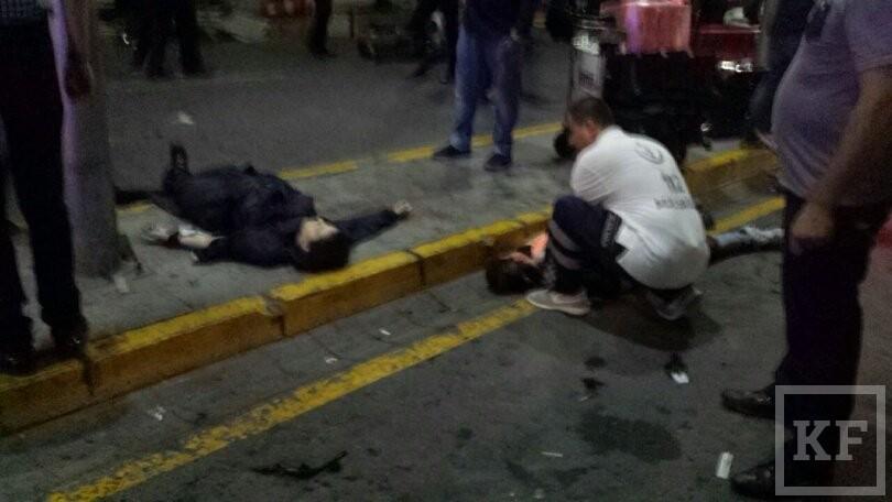 СМИ: теракт в аэропорту Стамбула совершили два смертника