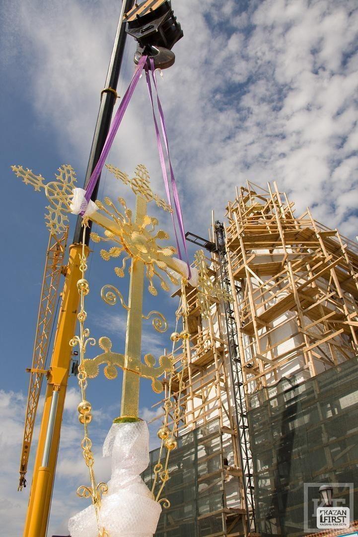 Свияжская Надвратная церковь обрела купол и крест [фото]