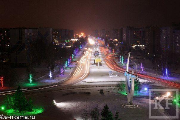 Мэр Нижнекамска наградил руководителей градообразующих предприятий за лучшие елочные городки