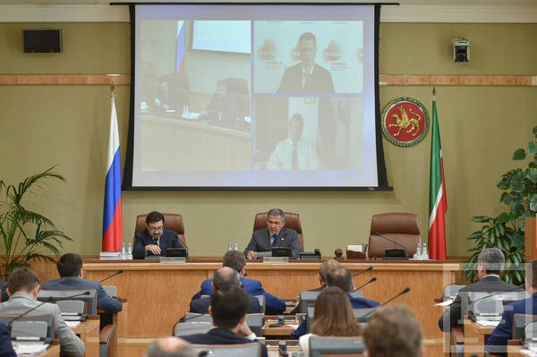Минниханов: четверть ВРП Татарстана приходится на Камскую промышленную зону