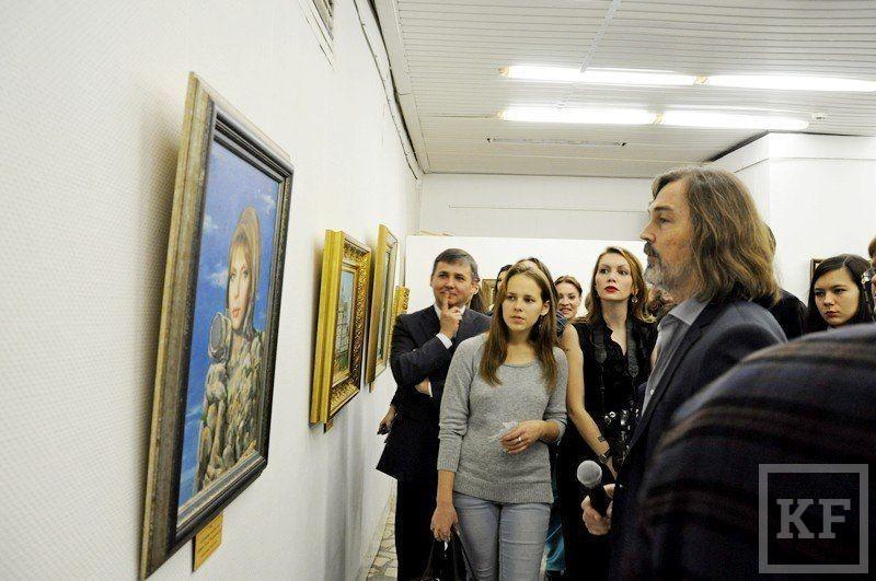 Художник Никас Сафронов открыл в Челнах выставку своих работ