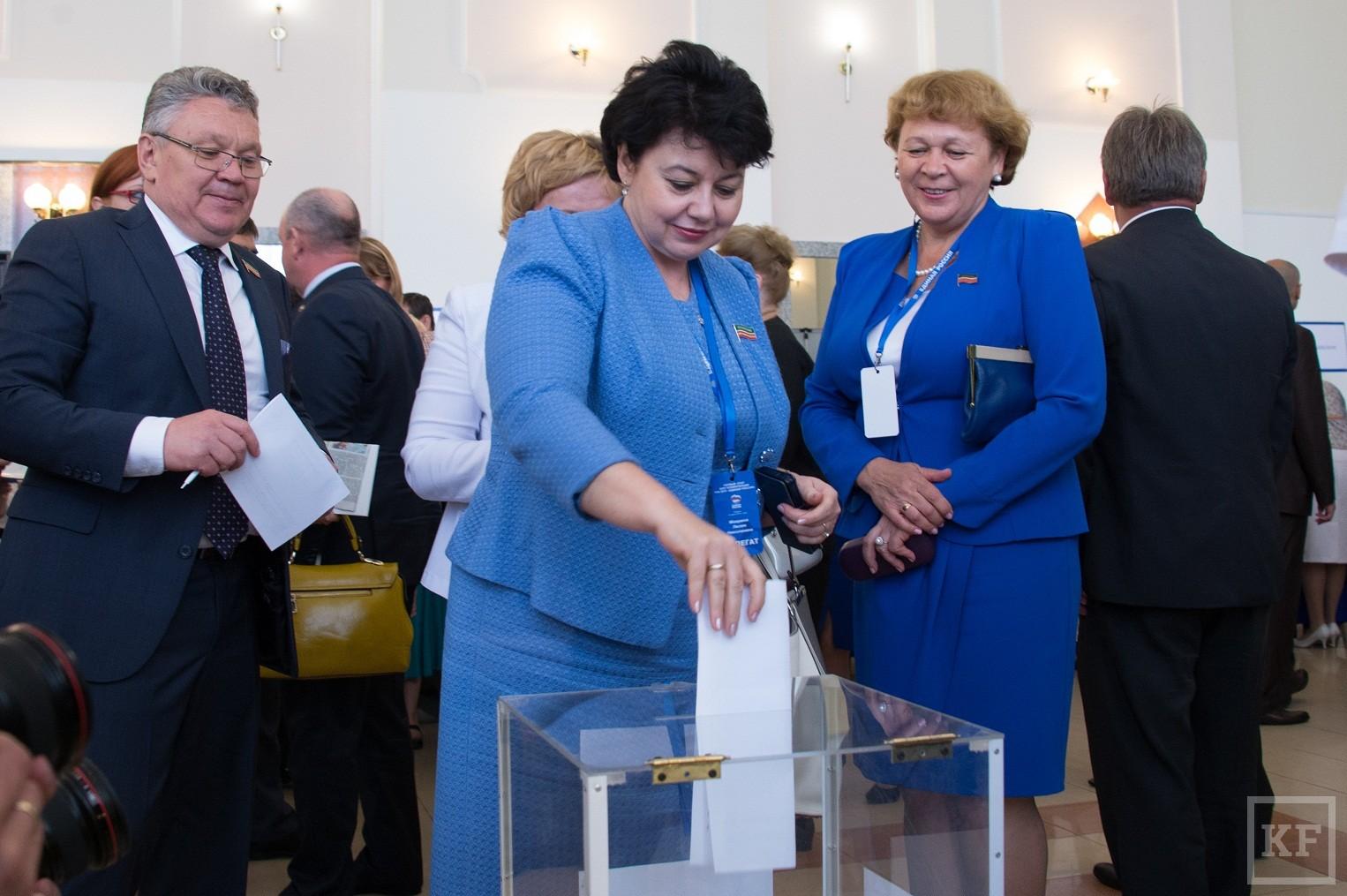 «Единая Россия» выдвинула Рустама Минниханова единым кандидатом на выборы президента Татарстана