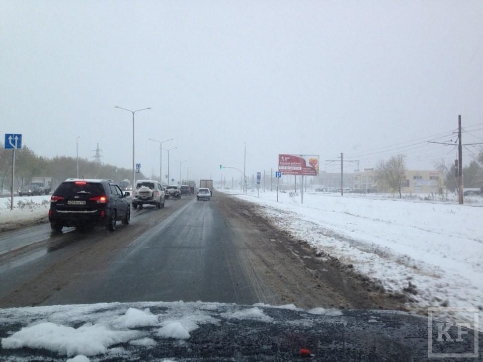 Челнинские коммунальные службы не справились с октябрьским снегопадом