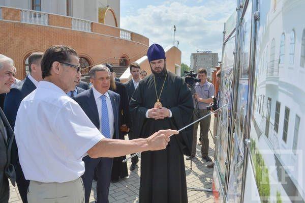 Рустам Минниханов посетил Казанский кафедральный собор в Альметьевске