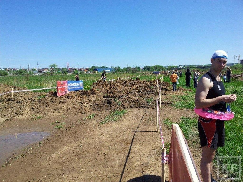 В эти минуты в Казани начинается «Грязный бег 2014», первые фотографии