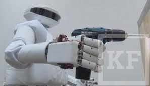 Россия начала испытания космического андроида
