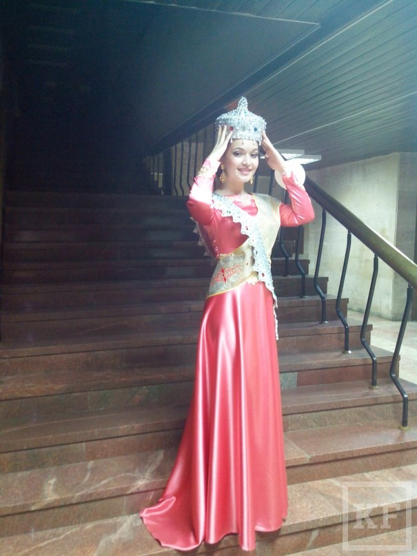 К Дню рождения жительница Челнов получила титул «Сабантуй гузэле»