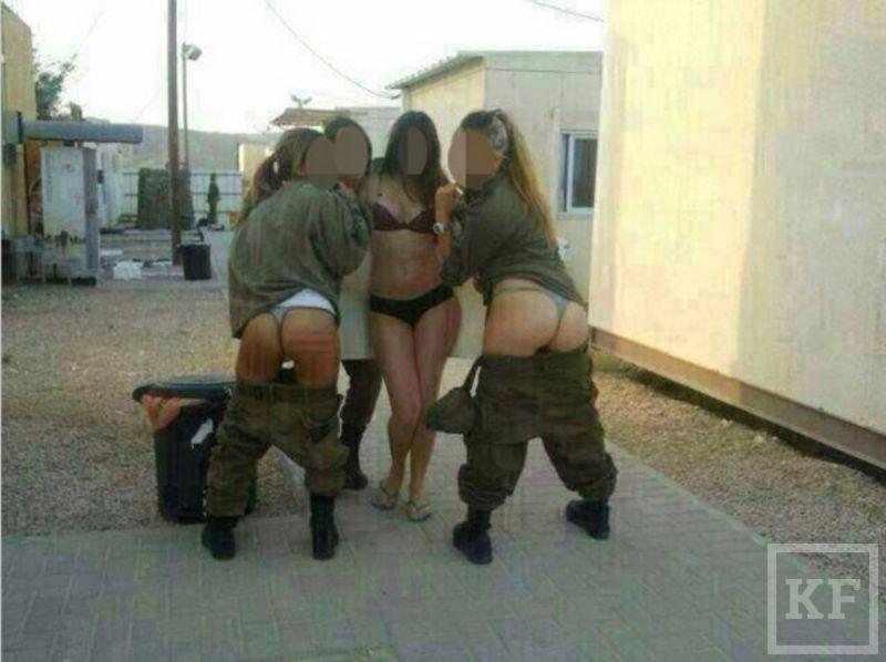 Женщины-военнослужащие устроили обнаженную фотосессию [фото]