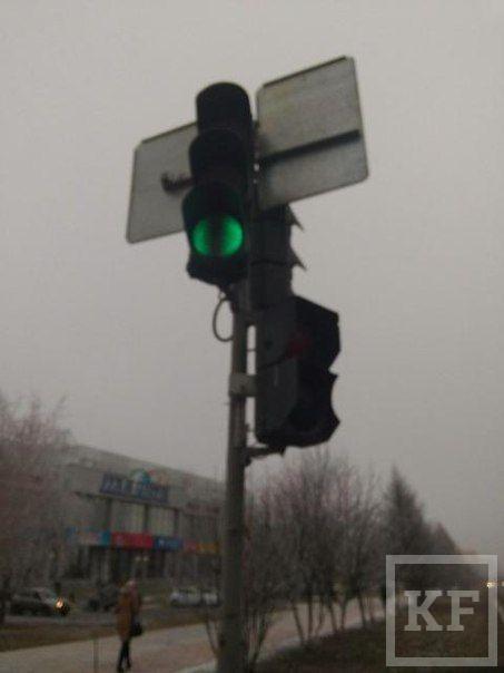 Жителей Нижнекамска все чаще беспокоят неправильно работающие светофоры –«Народный контроль»