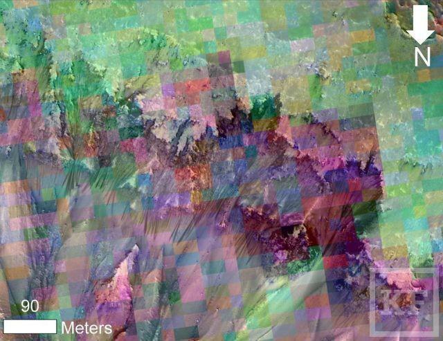 Орбитальный аппарат NASA обнаружил на Марсе признаки текущей воды