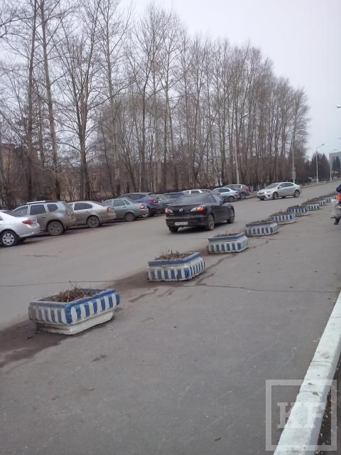 Жители Нижнекамска просят власти оборудовать пешеходный переход около одной из больниц – «Народный контроль»