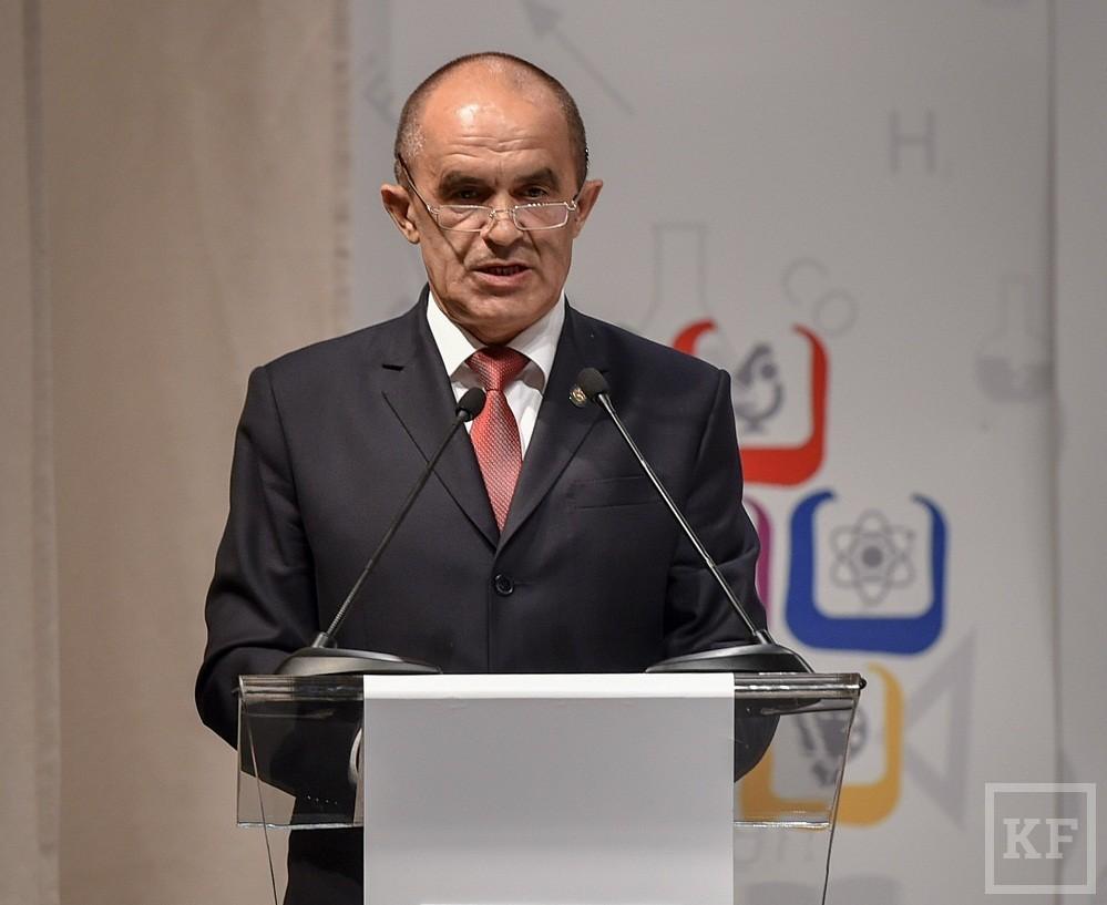 Рустам Минниханов призвал популяризировать рабочие профессии в Татарстане