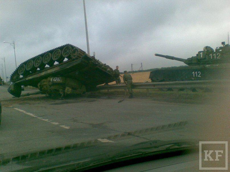 Возле Столбищ перевернулся танк [фото]
