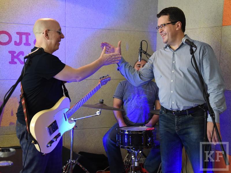 Метшин спел песню группы «Воскресение» на открытии рок-школы в Казани
