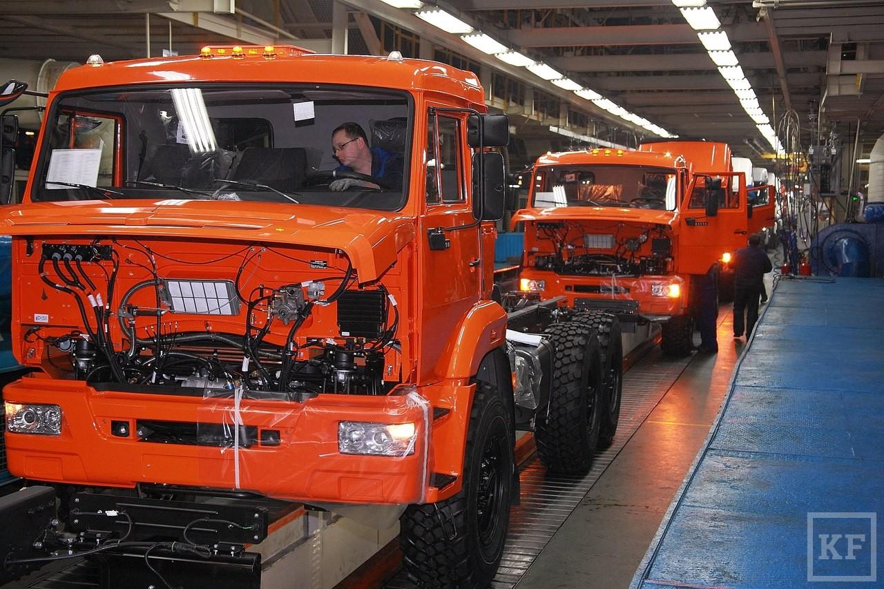 «Камаз» снизил наполовину продажи внутри страны и незначительно увеличил экспорт