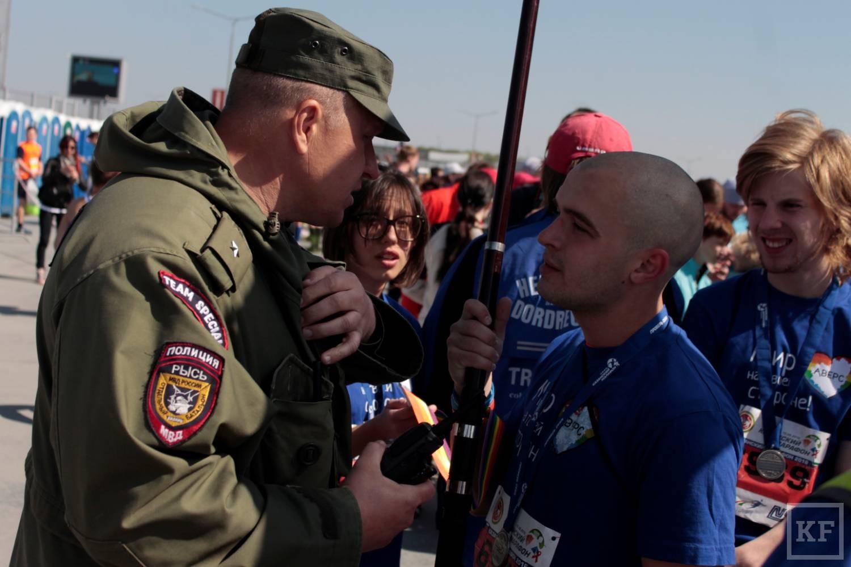 Гей-активисты из Самары развернули флаги ЛГБТ на «Казанском марафоне»
