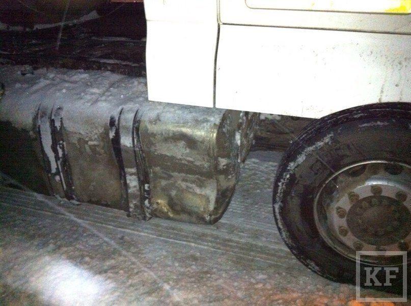 На трассе Челны-Альметьевск грузовик протаранил два автомобиля