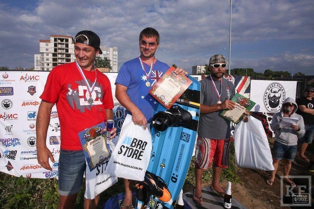 Первый чемпионат по вейкбордингу в Казани