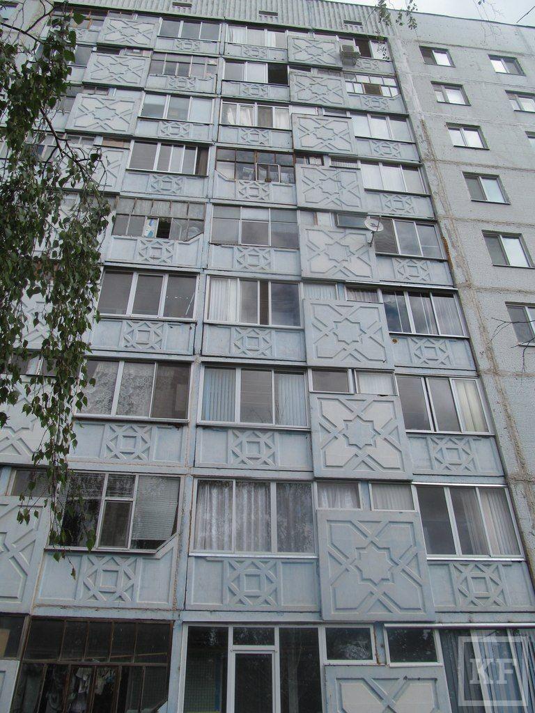 В Нижнекамске пенсионерка выбросилась из окна из-за мучавших ее болей