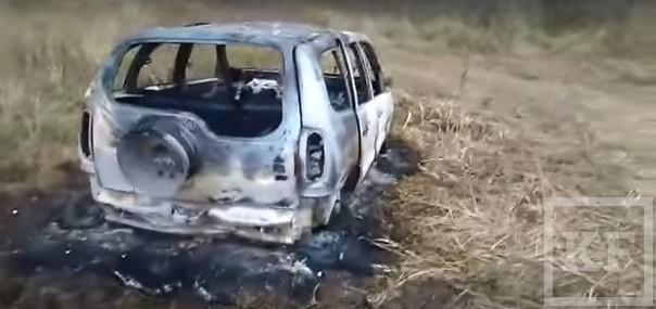 Под Казанью рыбака забили лопатой насмерть и сожгли в собственном автомобиле. Перед смертью он звонил в службу спасения, но не получил помощи