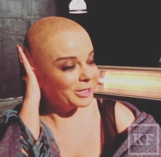 Российская певица Наташа Королева побрилась налысо
