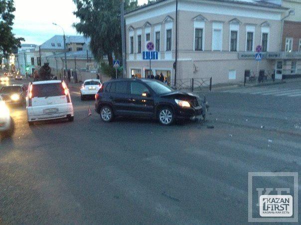 ДТП на перекрестке ул. Профсоюзной и Астрономической [фото]