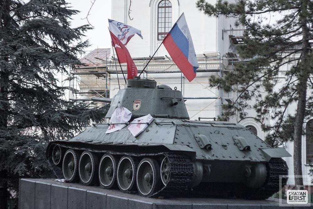 «Российские флаги в Симферополе повсюду»